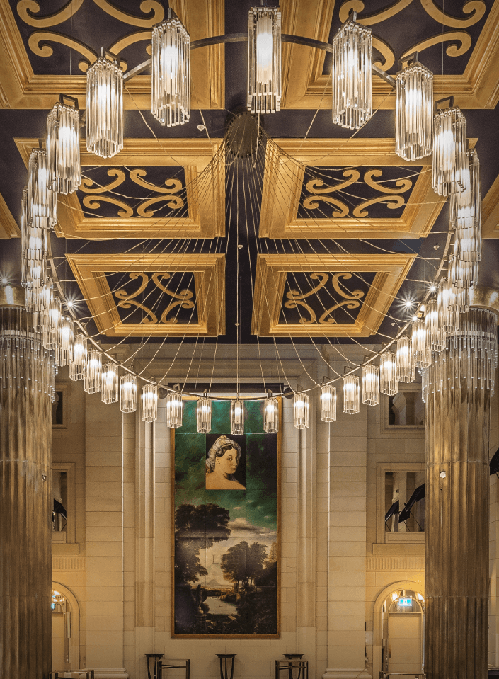 The Windsor Arms Hotel features
